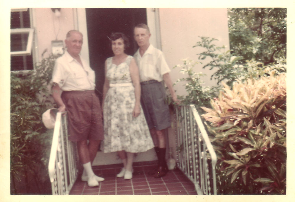 Раиса и Евгений Кожевины. с неизвестным мужчиной. Майами,1964-1965
