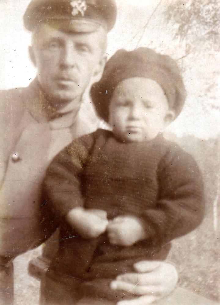 Евгений Кожевин с Мириком. Киев, 1925 г.