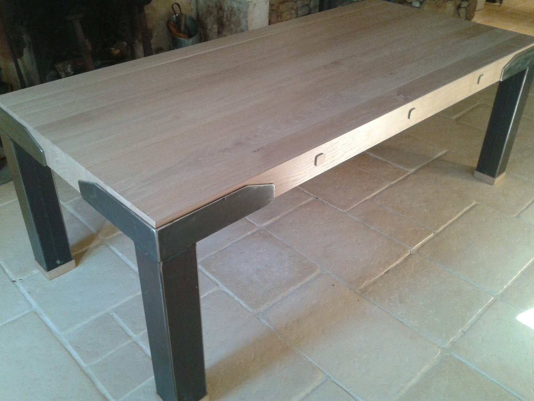 table en bois de chêne et fer 2.20m  x  1.00m
