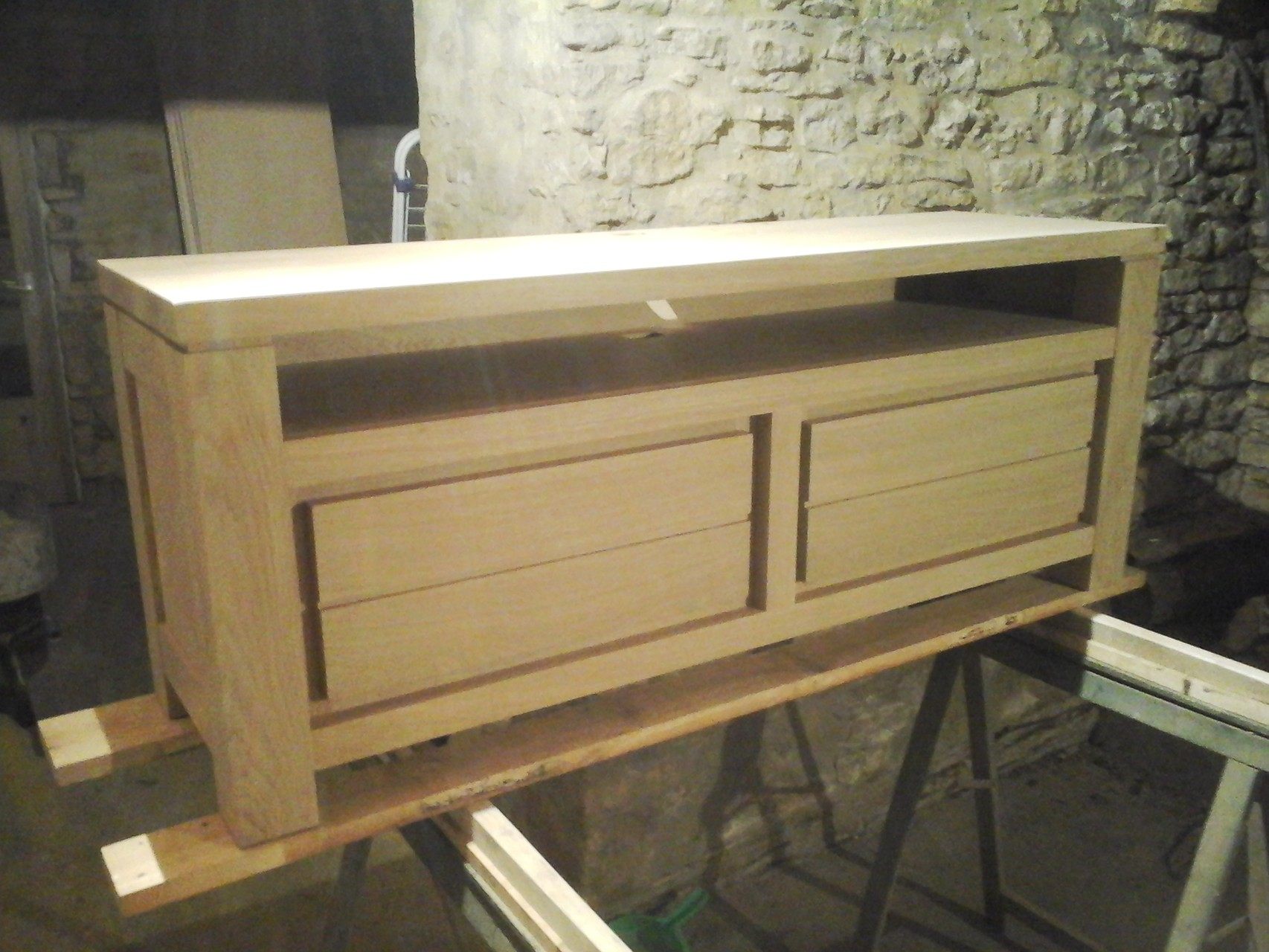 meuble TV en bois de chêne blanchi
