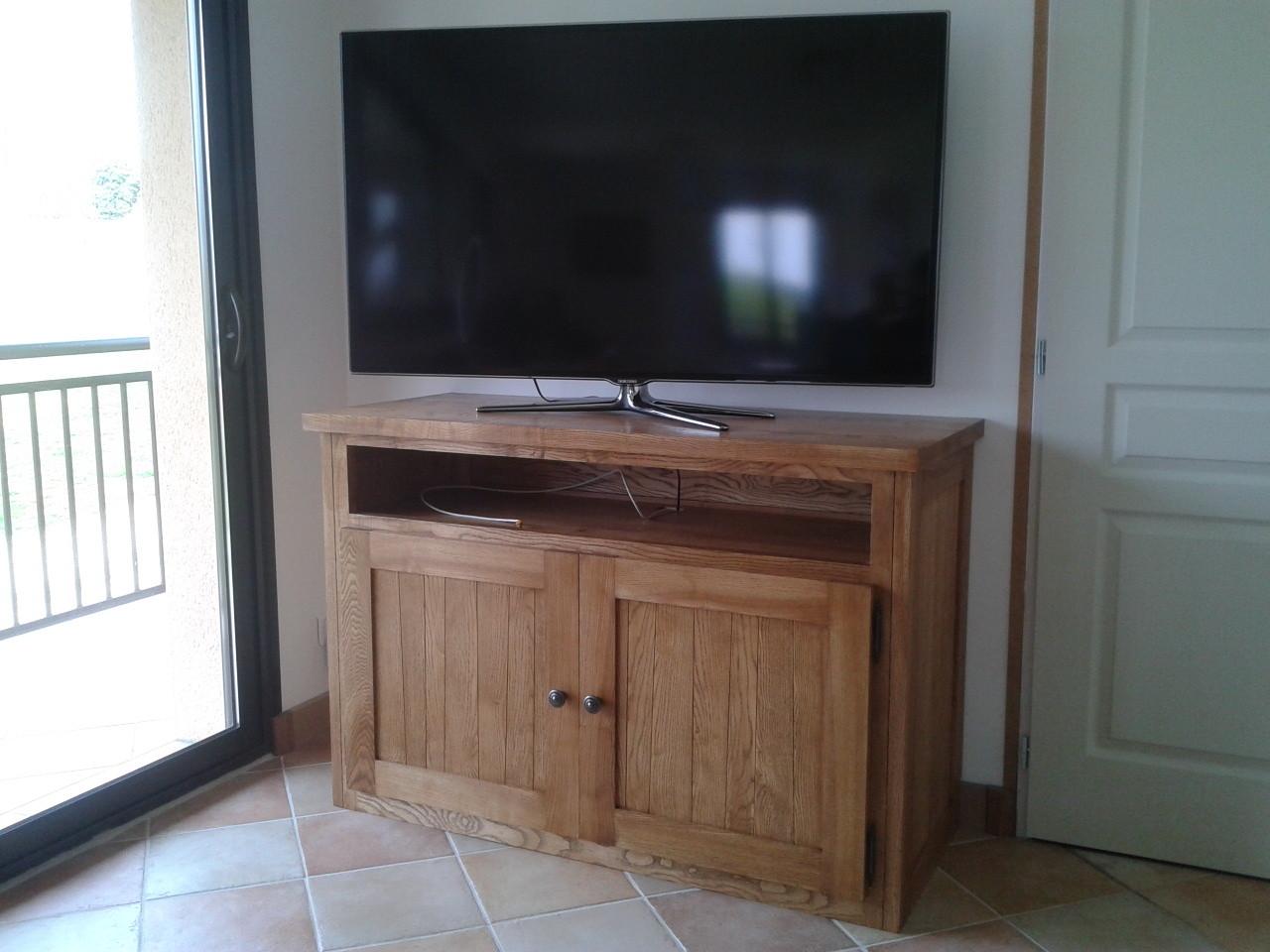 meuble TV en bois de frêne (teinté chêne fumé)