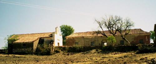 L'hacienda d'El Terrado et la chapelle, août 2002