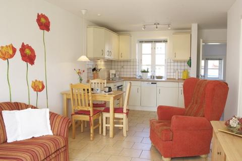 Wohnraum mit Blick zur Küche