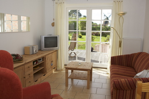 Wohnraum mit schönem Gartenblick