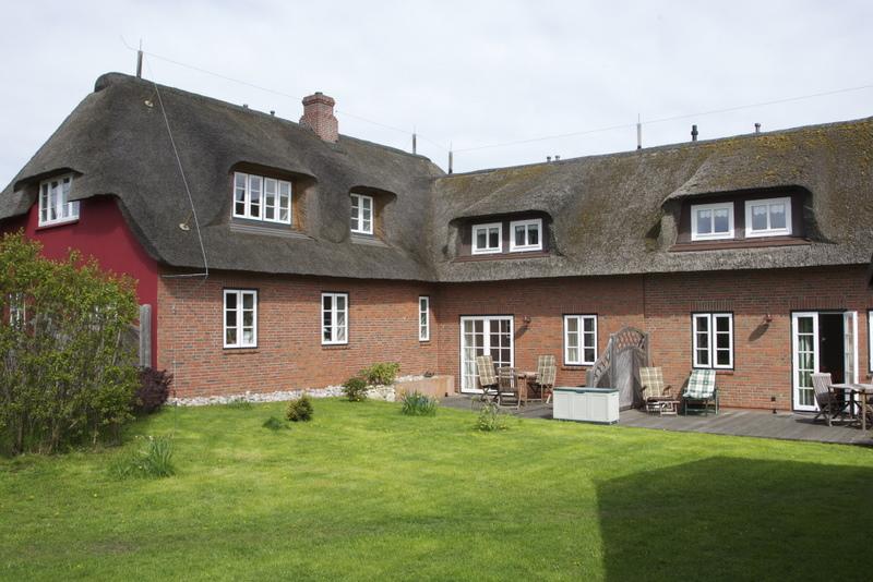 Ferienwohnung #05 im Obergeschoss (die 3 Fenster auf der linken Seite)