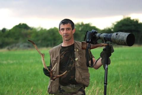 mon frére Dominique est passionné par la faune de nos forêts http://dominiqueregardsauvage.jimdo.com/