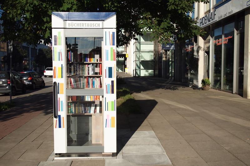 Alltagsabenteurer Alltagsabenteuer Büchertausch Telefonzelle Postcrossing Hamburg-Tonndorf Bücherzelle