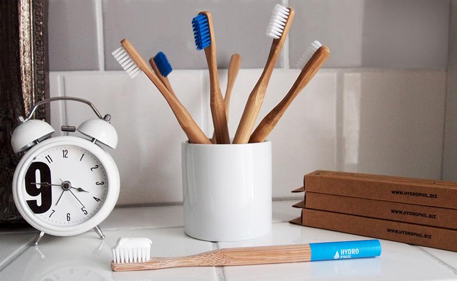 Bambus-Zahnbürste Hydrophil nachhaltig Bambus Freizeit-Tipp Shopping-Tipp Alltagsabenteuer Alltagsabenteurer