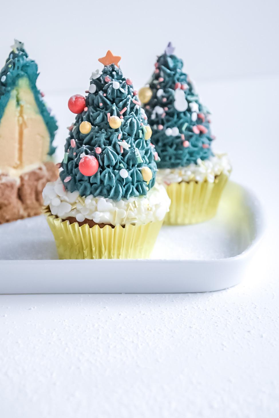 Tannenbaum - Cupcakes: Apfel - Zimt - Muffins mit Tonka -Sahne - Spitze