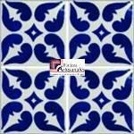 Azulejo Talavera modelo Lyon Azul con Terracota en 10.5 x 10.5 cm, ideal para baños y cocinas mexicanas lo encuentras en Rústicos Artesanales visítanos en nuestra web www.rusticosartesanales.com
