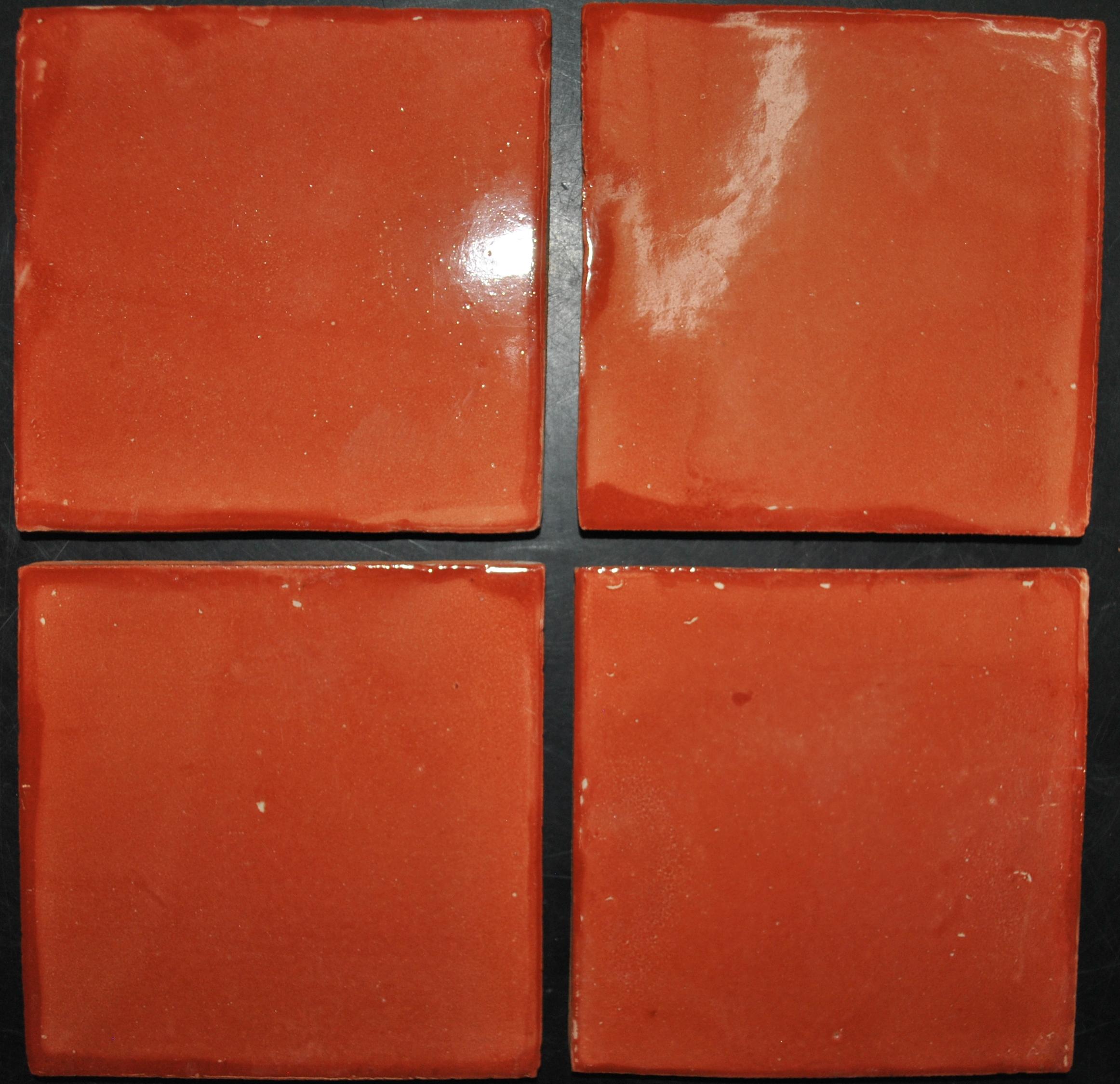 Azulejo Talavera Lliso en color Mandarina en 10.5 x 10.5 cm, ideal para baños y cocinas mexicanas lo encuentras en Rústicos Artesanales visítanos en nuestra web www.rusticosartesanales.com
