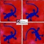 Azulejo Talavera modelo Lagartija Azul con Terracota en 10.5 x 10.5 cm, ideal para baños y cocinas mexicanas lo encuentras en Rústicos Artesanales visítanos en nuestra web www.rusticosartesanales.com