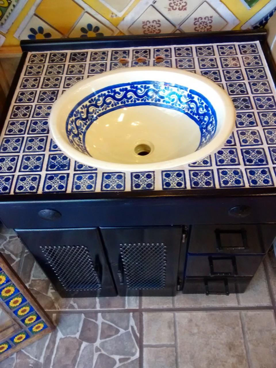Muebles de talavera para ba os r sticos artesanales for Inodoro de azulejo de pared