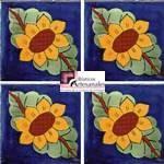 Azulejo Talavera modelo Girasol Oval 2 hojas Azul en 10.5 x 10.5 cm, ideal para baños y cocinas mexicanas lo encuentras en Rústicos Artesanales visítanos en nuestra web www.rusticosartesanales.com