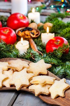 Weihnachten, Teller mit Gebäck