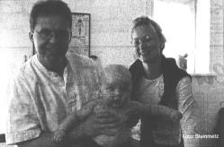 Die Chiropraktoren Martin Rahr Pedersen und Hanne Futtrup behandeln vom Säugling, hier Till Maas ( 5 1/2 Monate ) bis zum Erwachsenen im Chiropraktic Zentrum Eckernförde.
