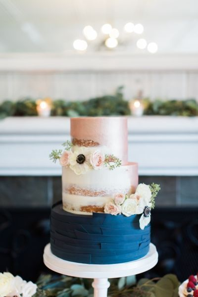 wedding cake navy et pink