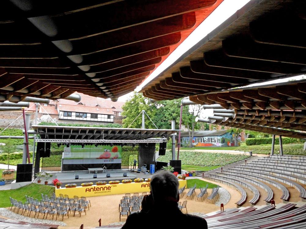 Konzerthalle auf der LaGa