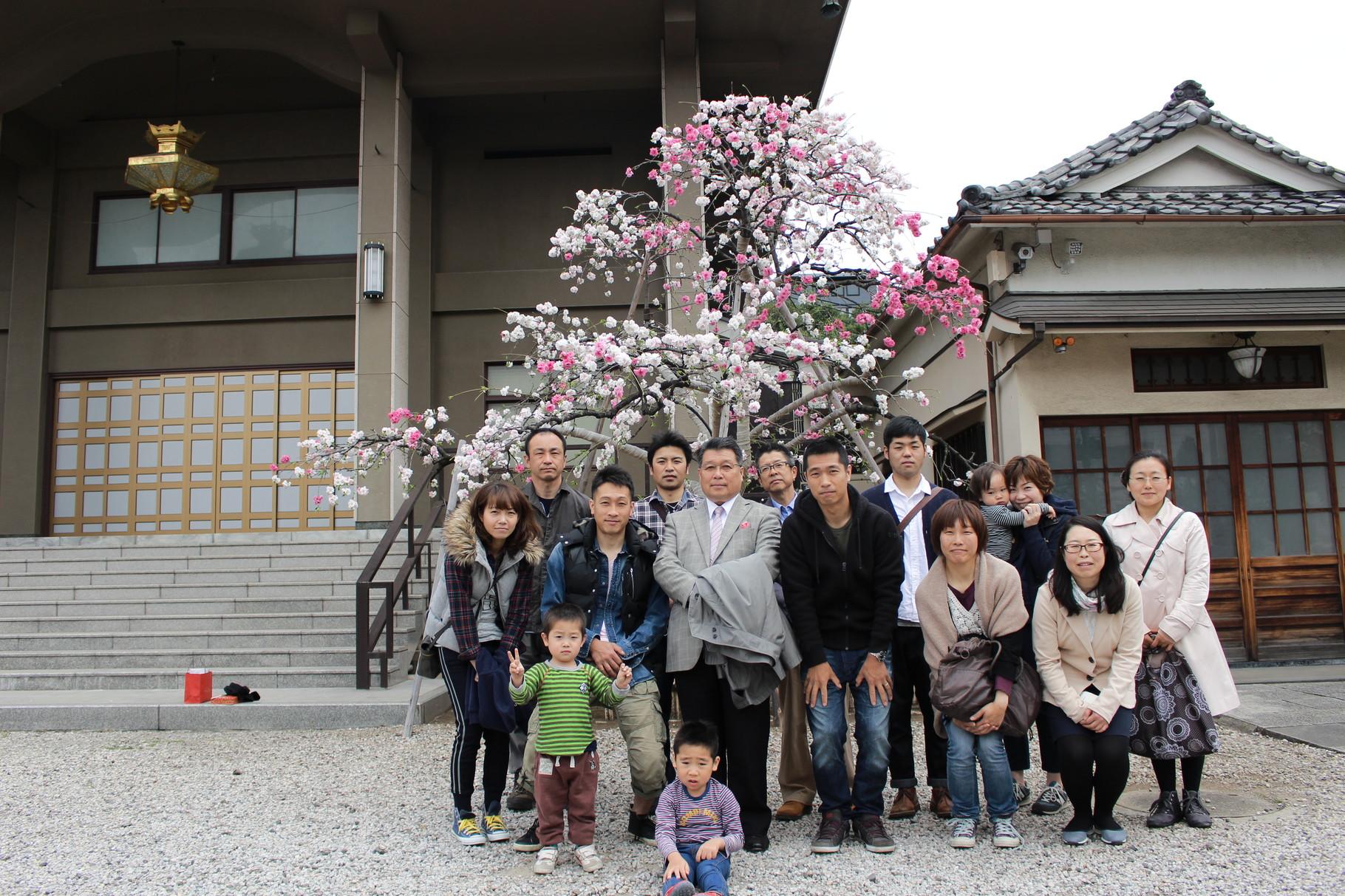 文京区小日向にある本法寺様で記念撮影です。