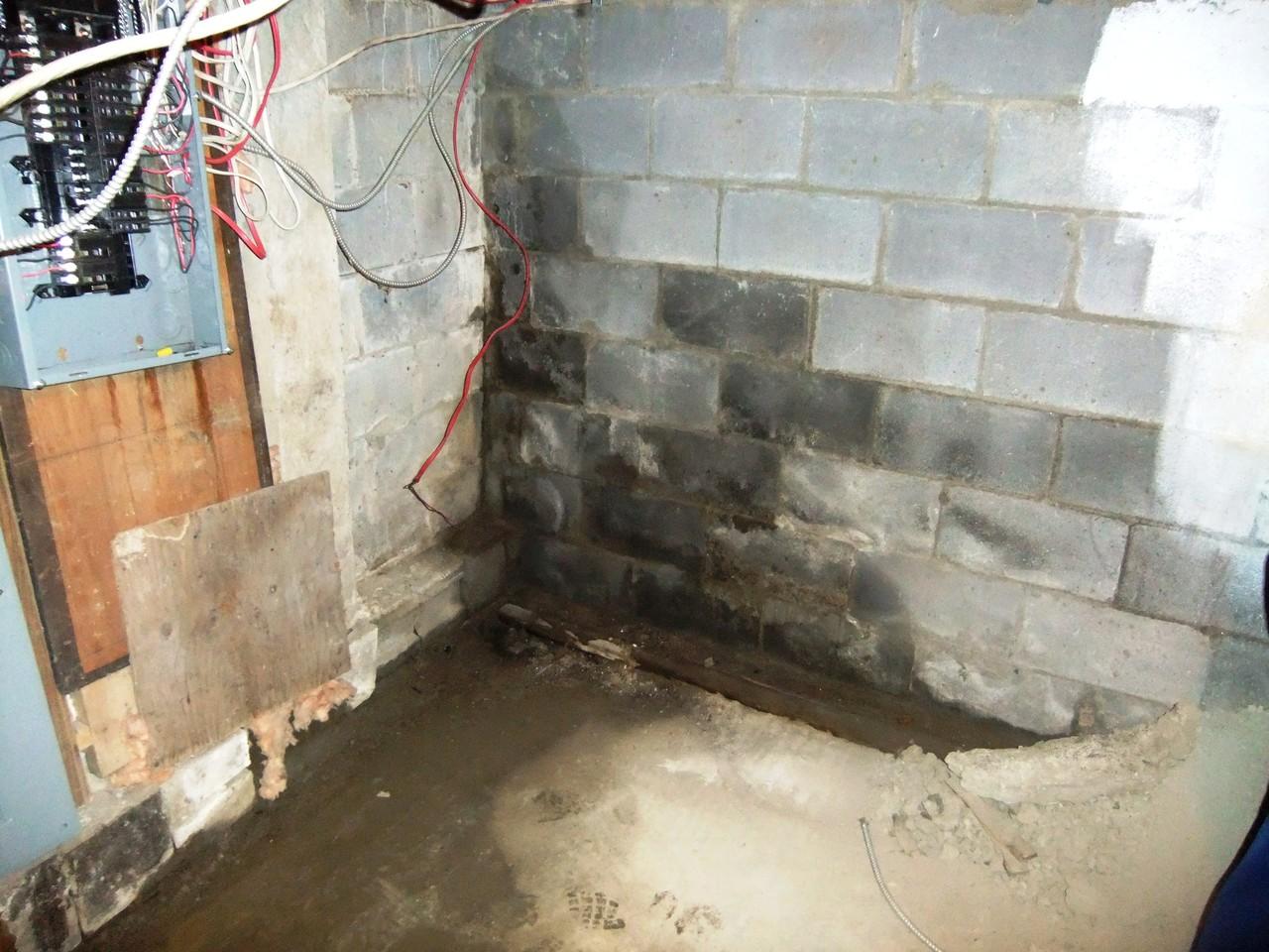 Infiltration d'eau au mur de fondation