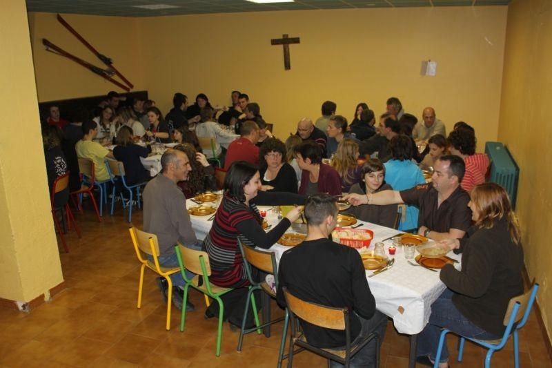 Repas dans la Salle de Jeu
