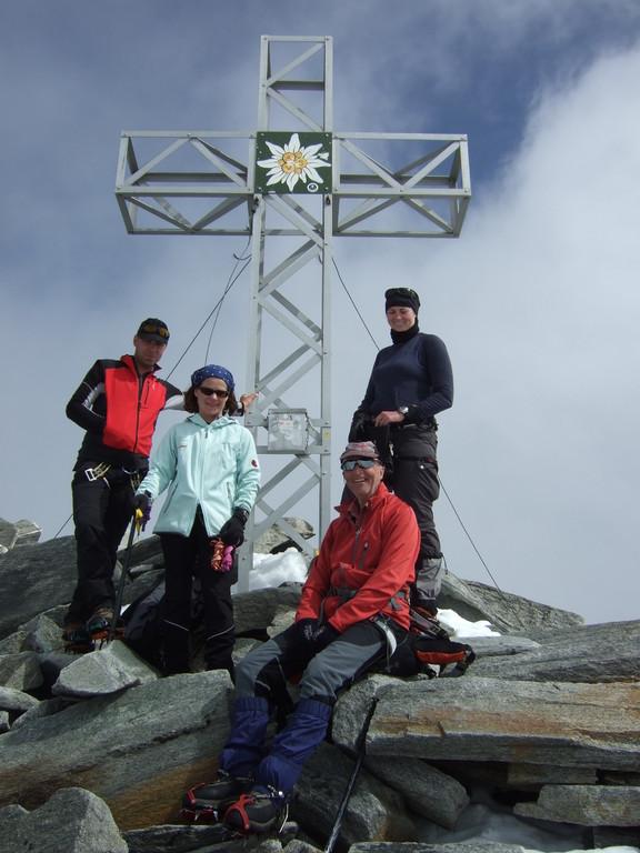 Walter unterwegs bei einer hochalpinen Bergtour in den Zillertaler Alpen