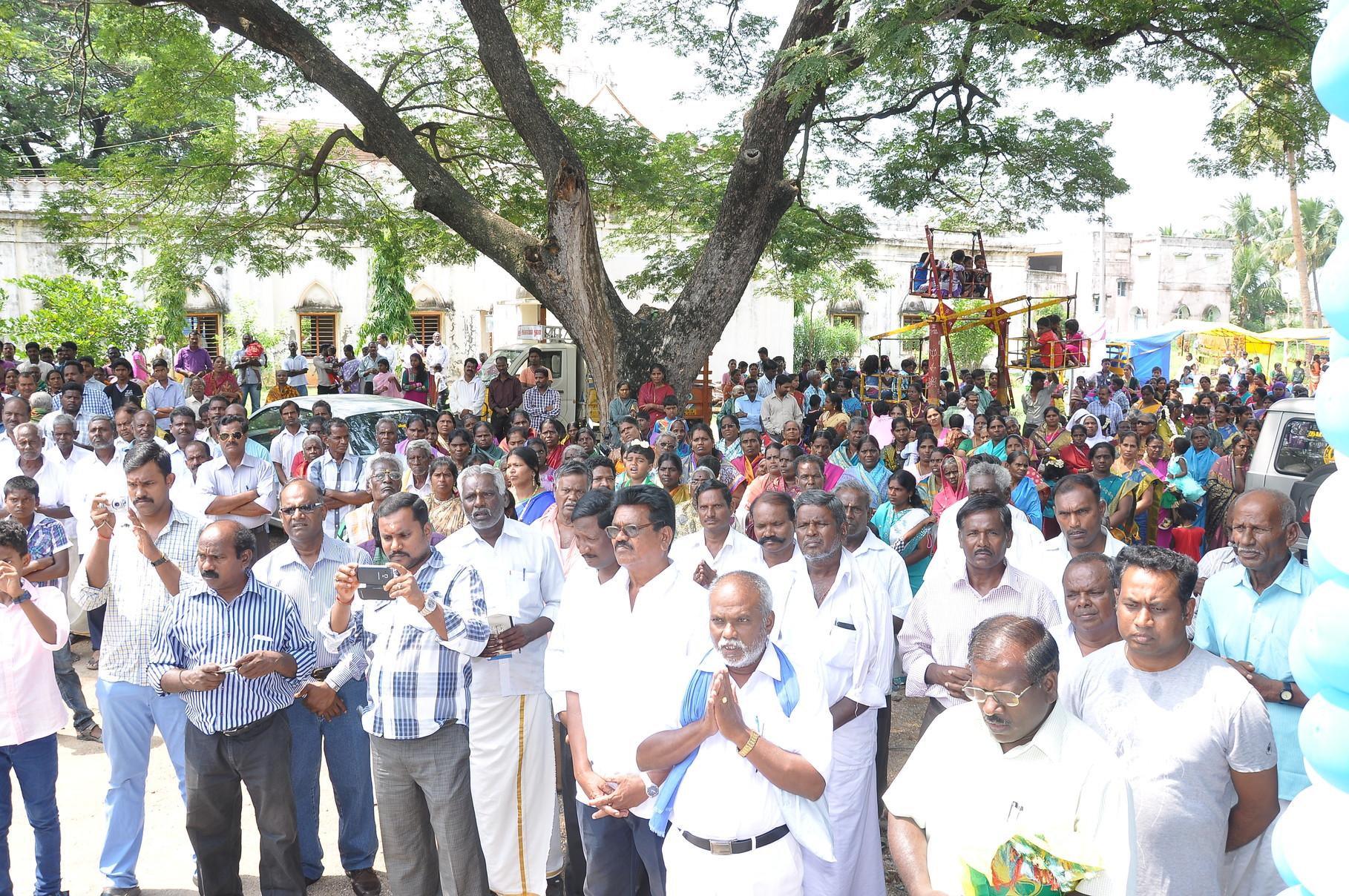 L'assemblée recueillie de Gengapattu