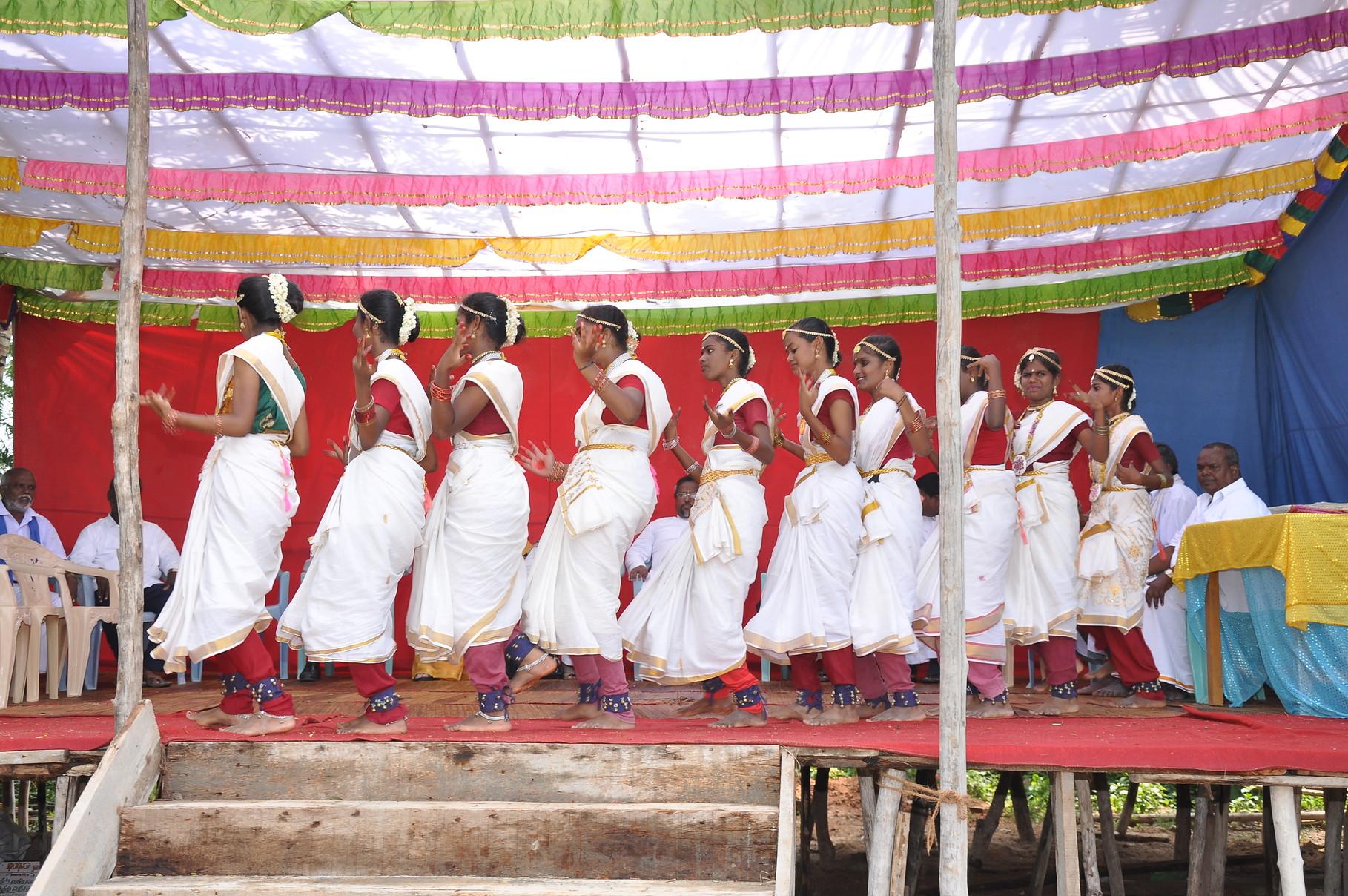 Spectacle de danse organisé par l'école