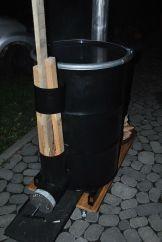 Rocket Stove schwarz auf Gestell