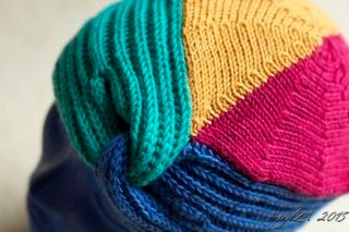 MOSS, Jean. Great Little Gifts to Knit: 30 Quick and Colorful Patterns