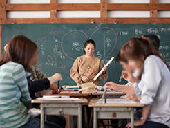 男性、女性、子どももお年寄りも猫札教室