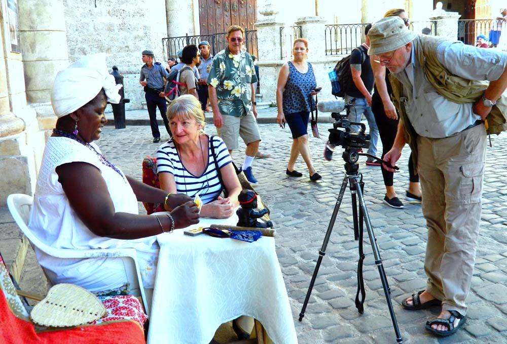 Theresa la Cubana erzählt über den Santeria-Glauben, Havanna-Vieja