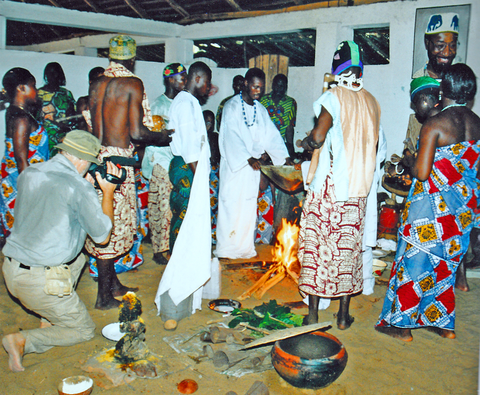 Im Voodoo-Tempel in Benin - Aufregend und den Körper fordend