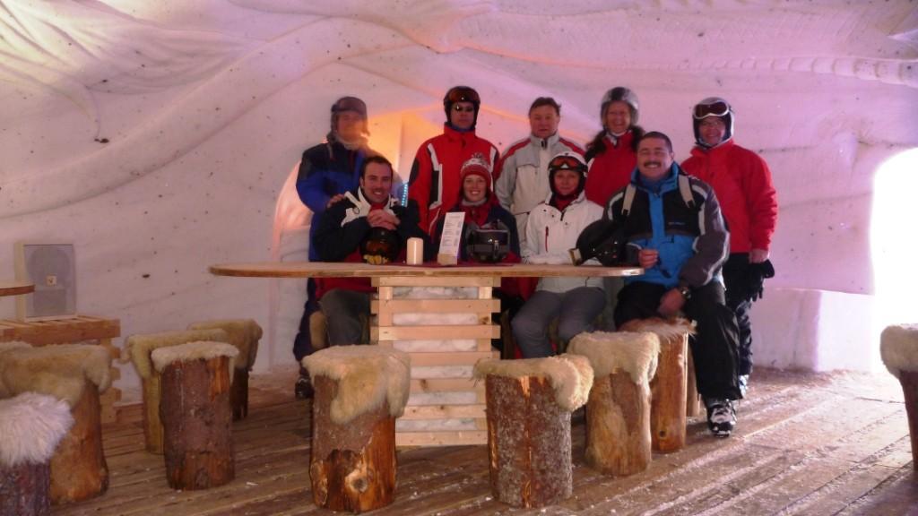 Gruppenfoto im Schneehotel Hochötz