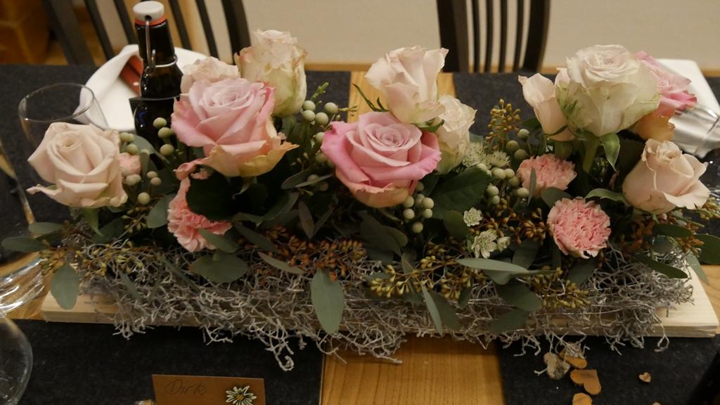 Wunderschöne Tischdeko....Danke an Blumen Ruth