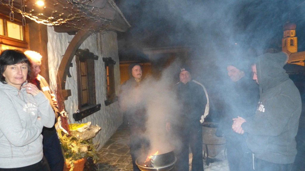 Anbraten vorm Tirolerhof