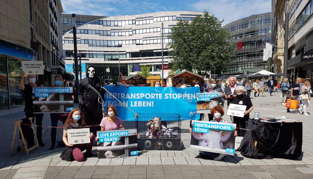 Protest in Düsseldorf:© PETA Deutschland e.V.