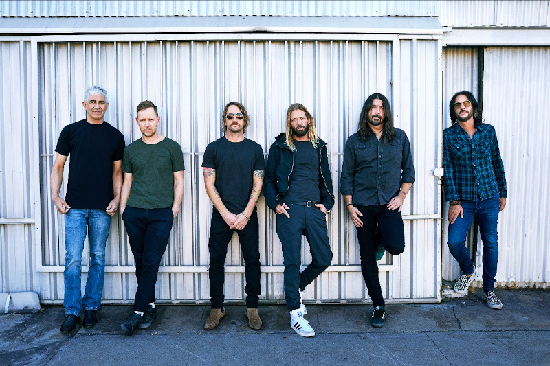 """FOO FIGHTERS - neue Single """"Waiting On A War"""""""