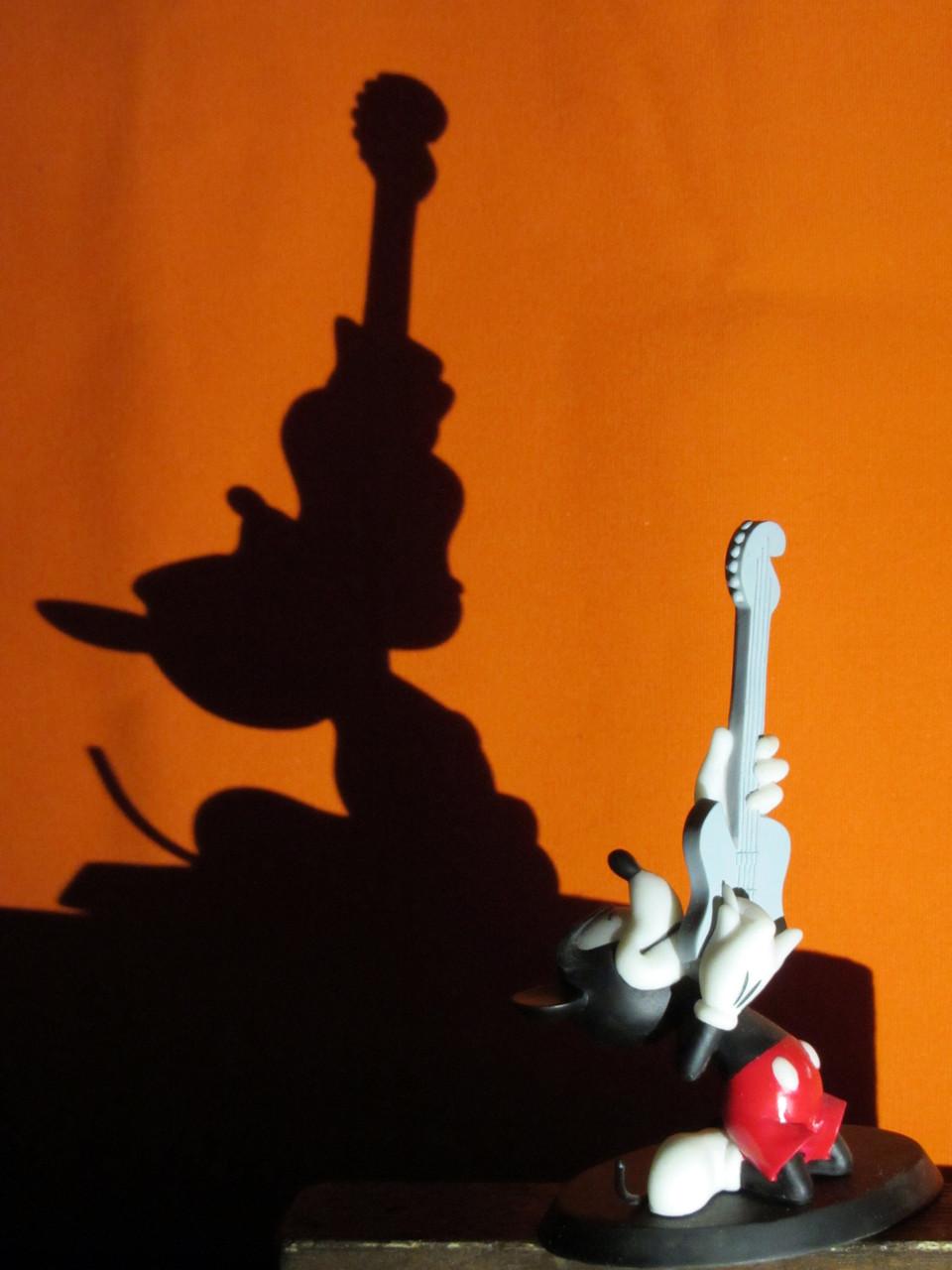 Mickey guitarrista