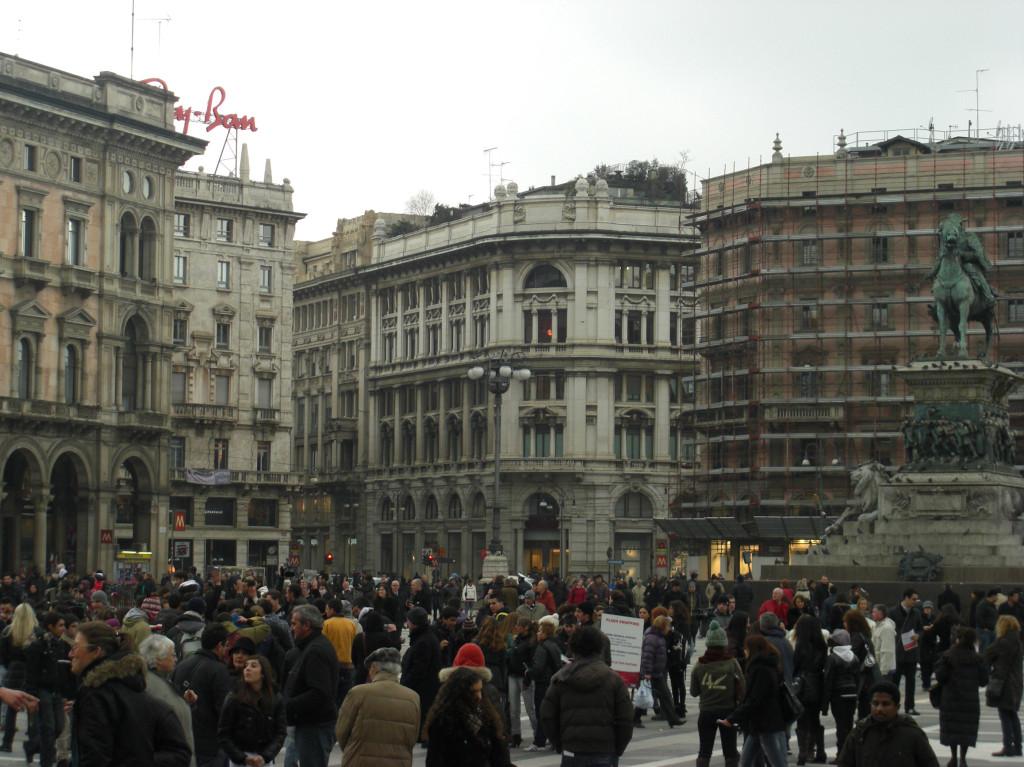 広場が広い
