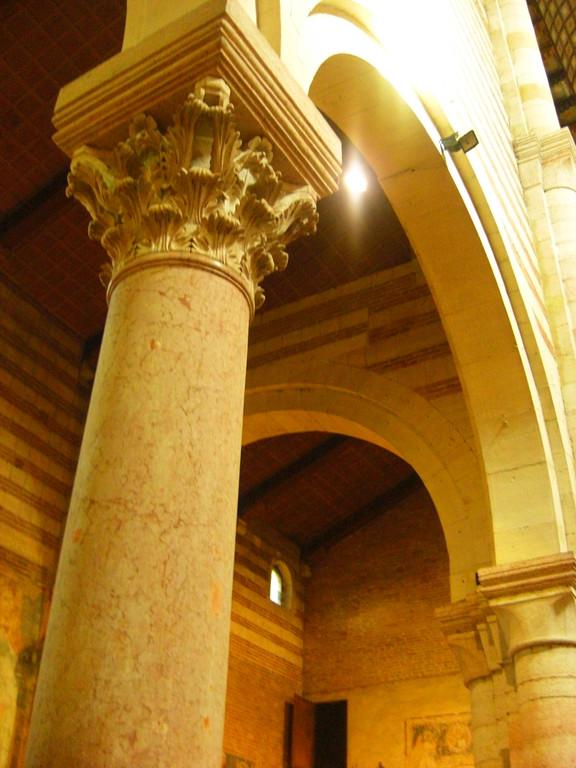 柱を眺めるのが好きです