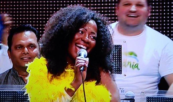 Rosana Copacabana a Ciao Darwin7 puntata n 6  22/04/2016 Italiani contro Stranieri canale 5 Mediaset