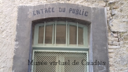Entrée Bureau de Poste Armagnac - Photo Gérard Fort
