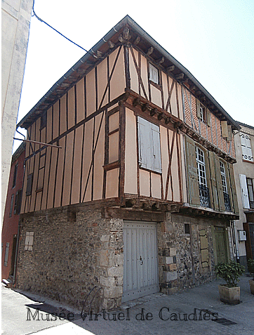 Maison Pépratx (à droite) cfpphr.free.fr