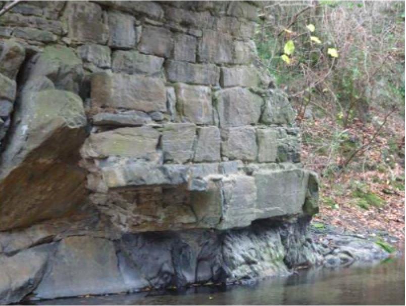 Fig.4 Soubassement d'une pile du pont du Saint-Jaume