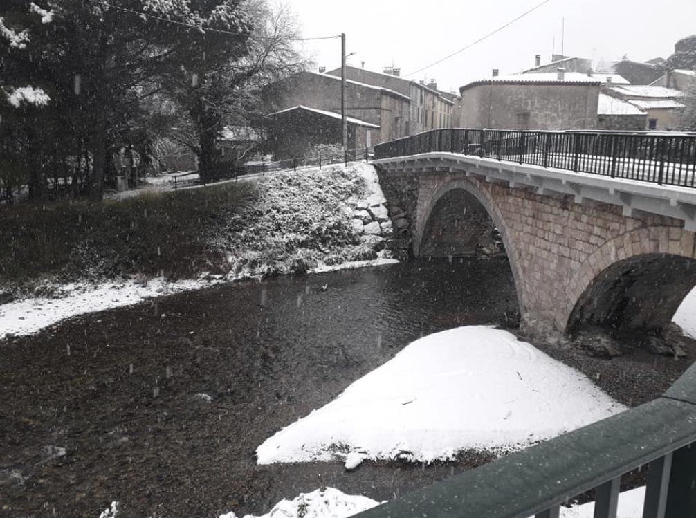 Pont de Quillan sous la neige en janvier 2021 (Photo Estelle Bourrel)