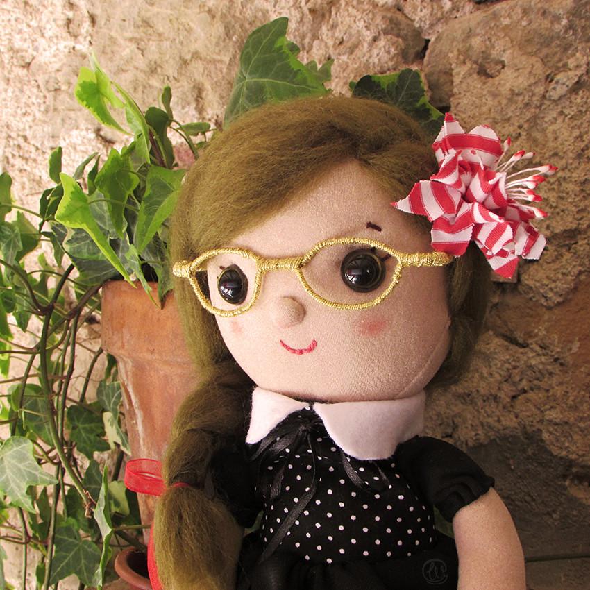 Muñeca de tela, muñeca, handmade, hecho a mano, flower, glasses, gafas, flor, tela, crafts, cute, rag doll,