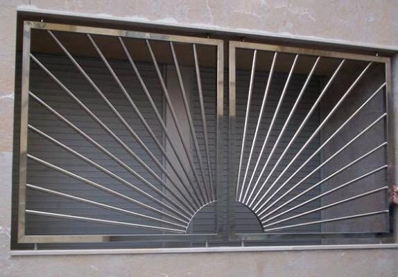 Rejas de acero inoxidable escaleras laravid trabajos en acero Rejas de diseno