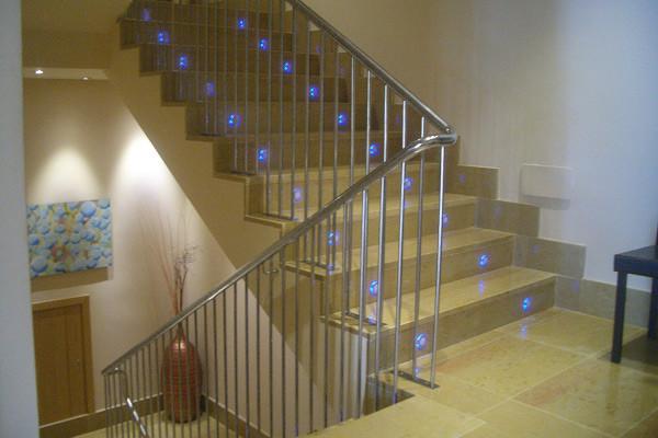 Barandillas escaleras laravid trabajos en acero - Pasamanos de acero inoxidable para escaleras ...