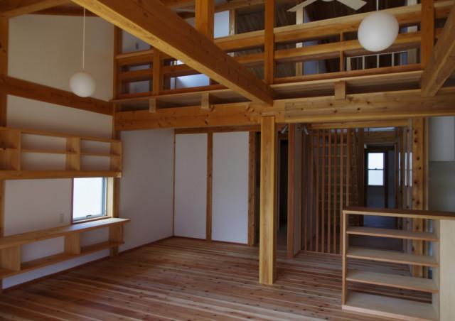 松戸市など千葉県内で設計を手がける【高野三上アーキテクツ】~コストダウンを実現するなら分離発注で自然素材の住宅を~